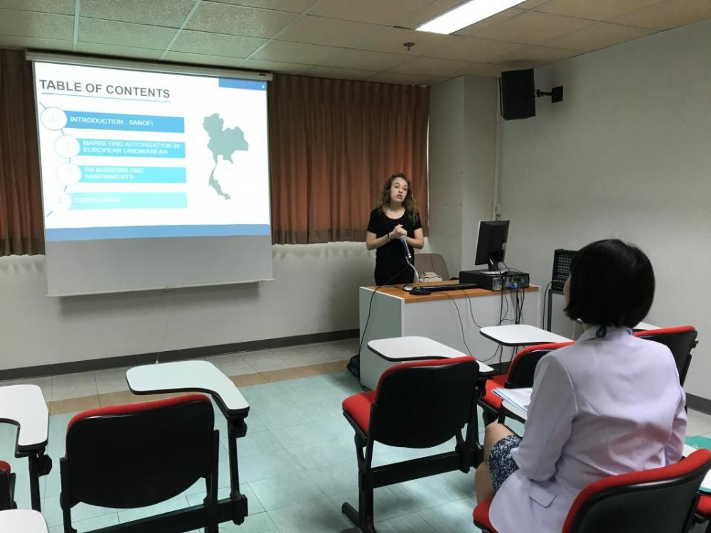 French student delivered the exit presentation of their professional